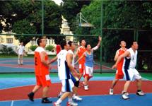 篮球比赛增进友谊